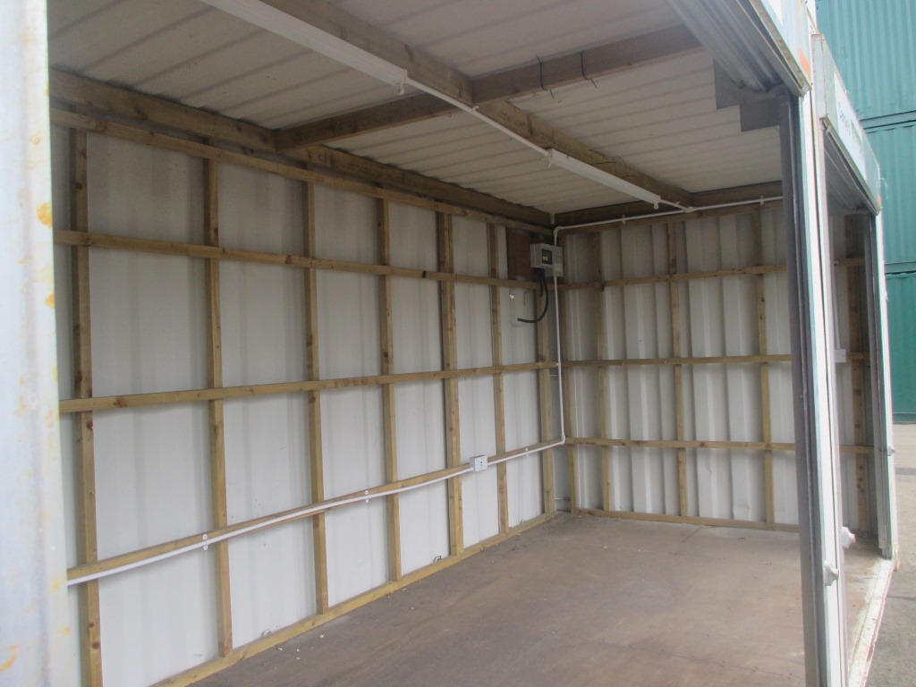 20ft X 8ft Shipping Container With Roller Shutter Doors Uk
